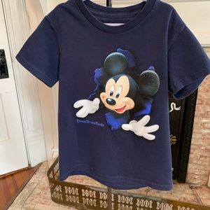 Disney Mickey Mouse T-shirt Small